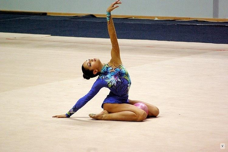 Тощая негритоска гимнастка 25 фотография